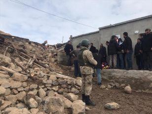 SNAŽAN ZEMLJOTRES NA GRANICI TURSKE I IRANA: 9 ljudi stradalo, među njima i troje dece (FOTO, VIDEO)