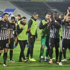 ŠOK ZA GROBARE: Na zagrevanju se povredio KLJUČNI igrač Partizana, neizvestan za Dinamo Kijev (FOTO)