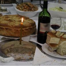 ŠOK uoči Svetog Nikole: Ova namirnica sa slavske trpeze SKUPLJA za 200 dinara po kilu, kupci se KRSTE