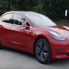 STIŽE U BALKANSKU PRESTONICU! Održana nezvanična prezentacija novog modela Tesla 3! (VIDEO)