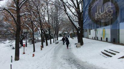 Sneg u Leskovcu: Dan treći