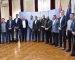 Srpska košarkaška elita u Gradskoj kući - tombak sa likom cara Konstantina na poklon