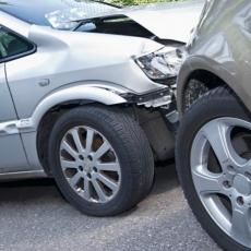 Sudar tri vozila kod Kruševca: Povređeno više osoba, među njima DETE