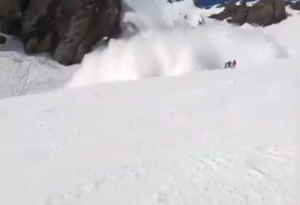 TRAGEDIJA U KANADI: Trojica čuvenih alpinista stradala u lavini u Stenovitim planinama!