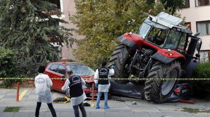 Traktorom udarao automobile u Ankari, ranjen u nogu