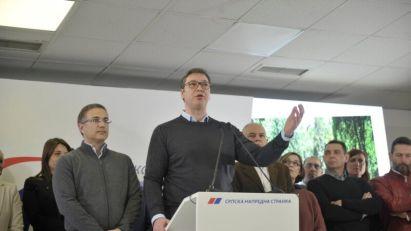 Tri šta o dešavanjima u Srpskoj naprednoj stranci