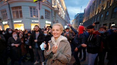 U Rusiji privedeno više od 1.700 ljudi tokom protesta za Navaljnog