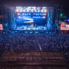 UŠĆE U TRANSU: Posle Hladnog piva, Pušenje i Brkovi razvalili Beer Fest! (VIDEO)