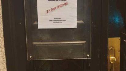 USTAŠKI POKLIČ NA ULAZU U HRVATSKO NOVINARSKO DRUŠTVO: Drugi incident u nekoliko meseci! (FOTO)