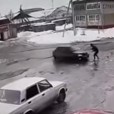 (UZNEMIRUJUĆI VIDEO) Pokosio bivšu ženu nasred ulice, nije se NI OKRENUO - samo iz JEDNOG RAZLOGA