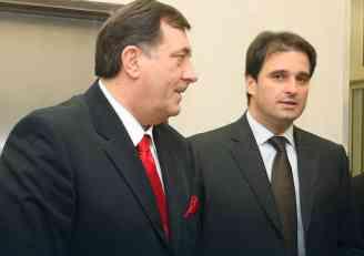 Ujedinjena Srpska zagovara sastanak dve najveće partije: SNSD zainteresovan, a u SDS neće ni da čuju
