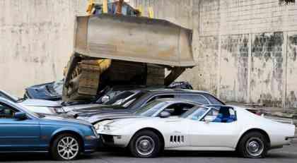 Uništeno 20 luksuznih automobila zaplenjenih na Filipinima