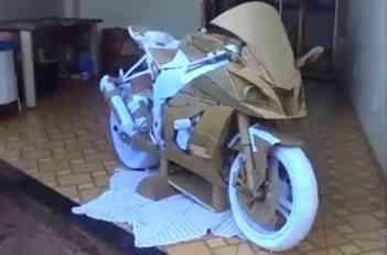 VIDEO: Kawasaki motocikl napravljen od kartona