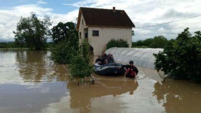 Voda se povlači sa poplavljenih područja, šteta sabira