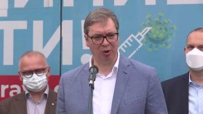 Vučić: Neki ljudi lakše poveruju u razne teorije zavere, nego u prostu istinu