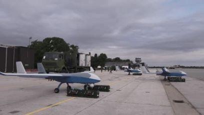 Vučić prisustvovao prikazu novih bespilotnih letelica Vojske Srbije CH-92A