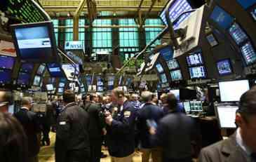 Wall Street: Treći uzastopni pad indeksa, Dow Jones izgubio sve ovogodišnje dobitke