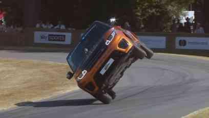 Za Ginisa: Najbrže pređena milja u SUV-u na 2 točka