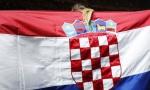 Za dom spremni na ulazu u Hrvatsko novinarsko društvo