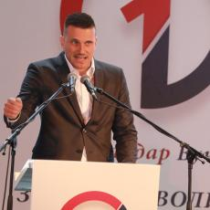 Završna izborna konvencija SNS u Smederevskoj Palanci: Za više dece i sigurne plate (FOTO)
